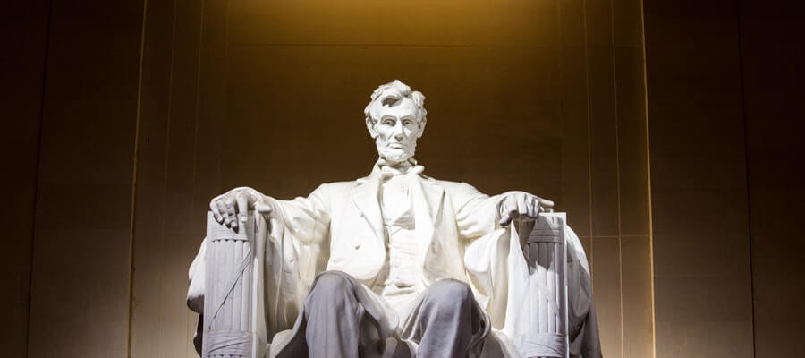 Abraham Lincoln seated figure at the Lincoln Memorial of Washington DC